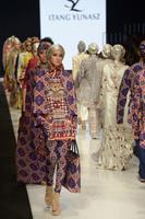 ジャカルタ・ファッション・ウィーク開催、伝統的なムスリム衣装なども