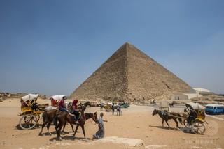 エジプト考古学者、ピラミッド内に空洞発見の発表を批判