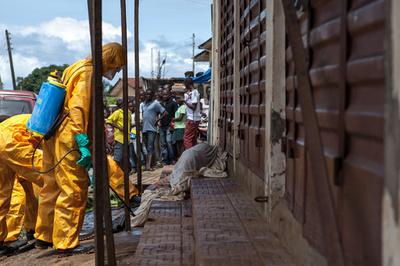 エボラ出血熱検査めぐり暴動、2人死亡 シエラレオネ