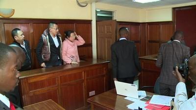 動画:象牙やヒョウの皮所持の中国人3人ら、法廷に ケニア首都