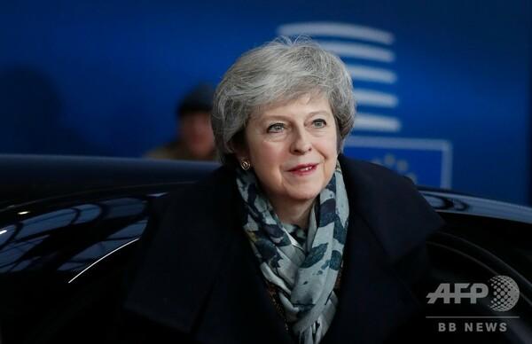 EU残留派のブレア元首相、再国民投票を要求 メイ首相と火花