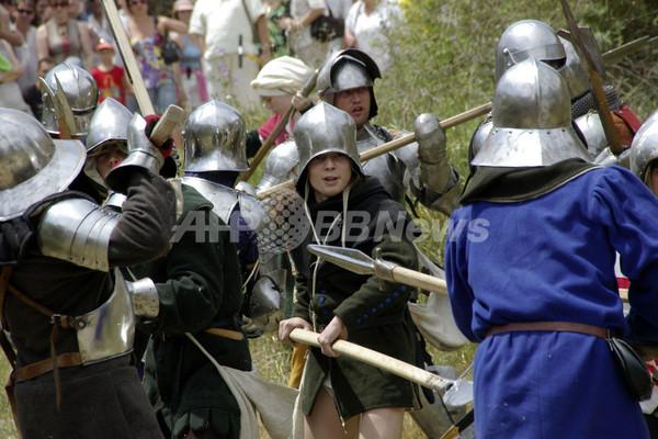 当時の軍服でクリミア戦争を再現、ウクライナ