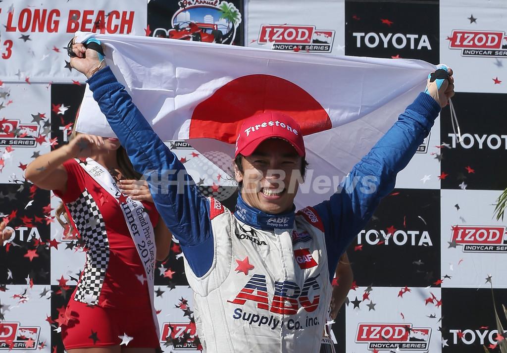 佐藤琢磨、インディカーで日本人初優勝飾る