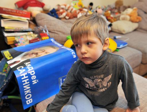 野党候補の拘束続く、帰りを待つ3歳の息子 ベラルーシ
