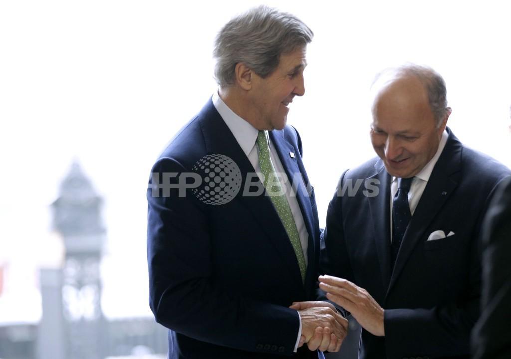 ケリー米国務長官、とうとうフランス語を披露