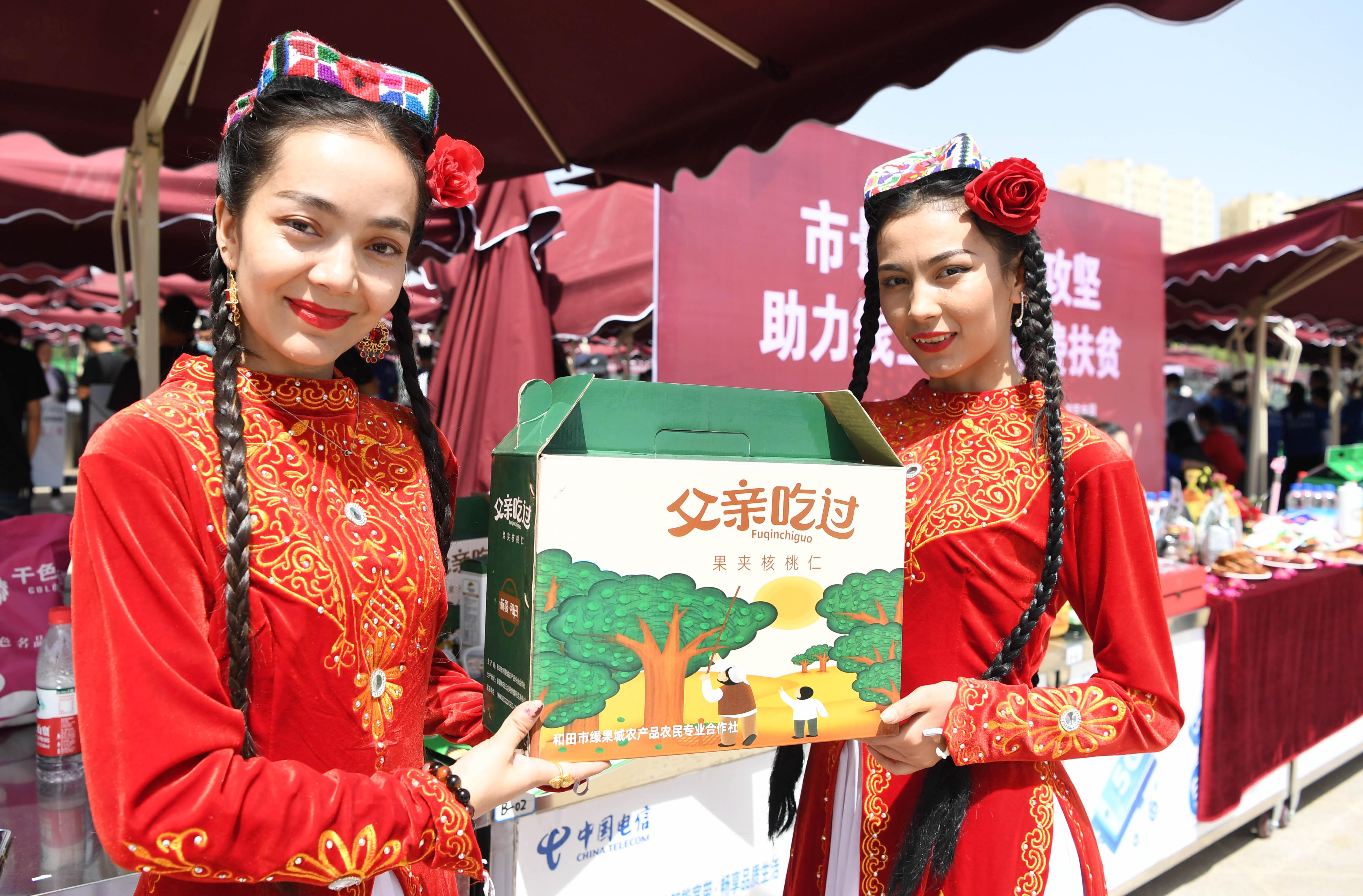 中国「オンライン経済」逆風の中で急成長