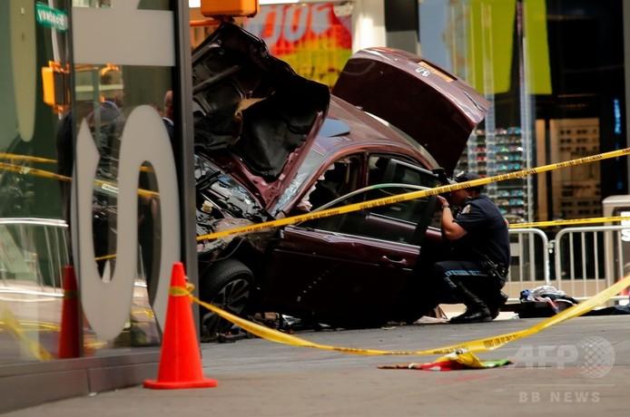 NY車暴走、運転手を殺人罪で訴追 精神に問題の元軍人