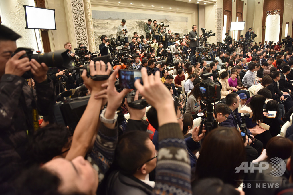今年世界で投獄されたジャーナリスト、250人超 中国が最多