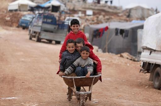 シリア、反体制派への攻撃継続 90万人避難の人道危機 寒さで乳児も死亡
