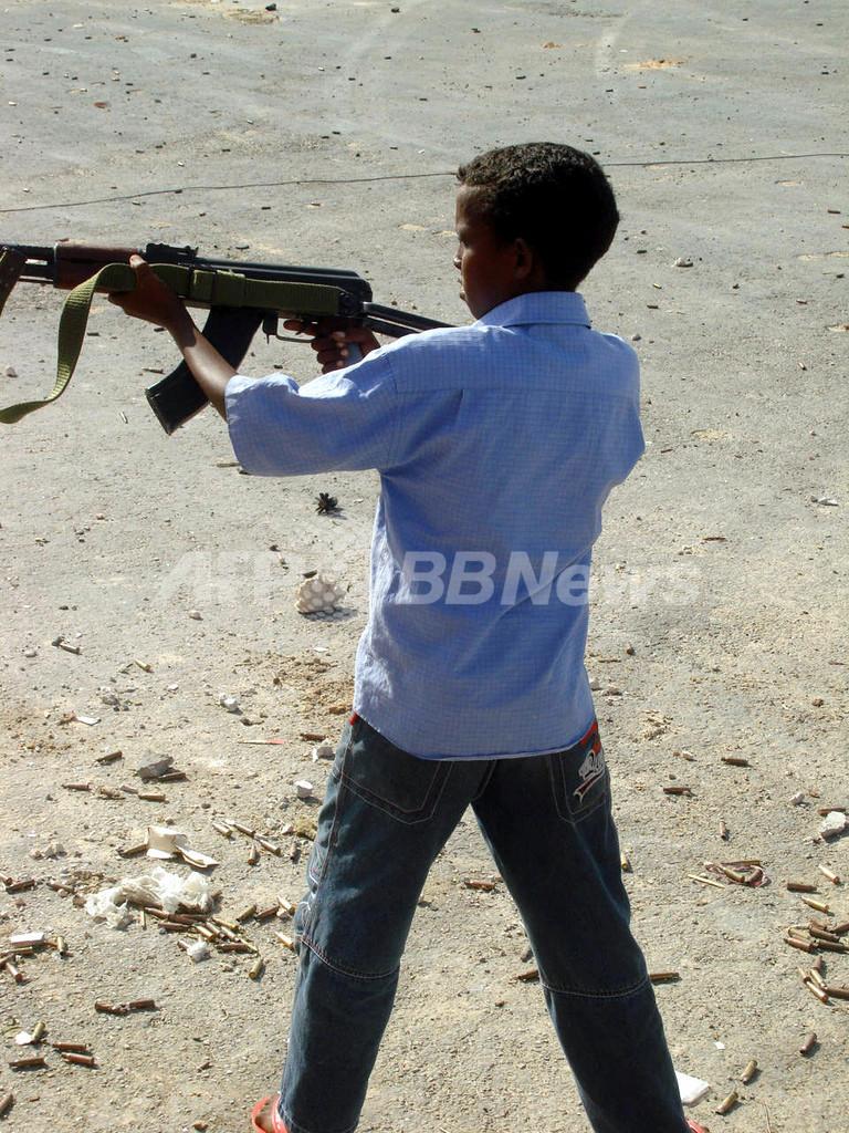 ソマリアのクイズ大会、優勝賞品はAK-47や手投げ弾