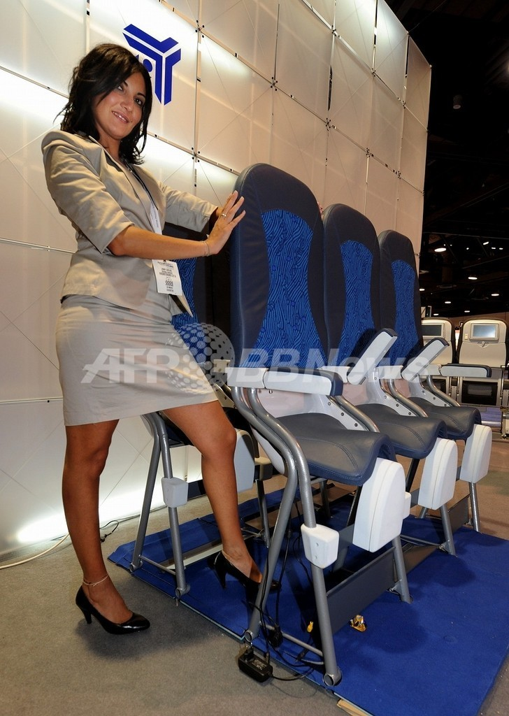 狭くても安ければOK?旅客機エコノミークラスの新型座席