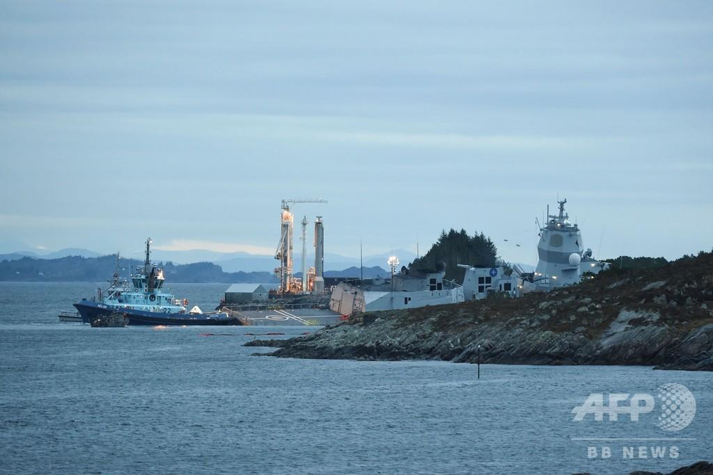 ノルウェーの軍艦がタンカーと衝突、沈没回避のため意図的に座礁