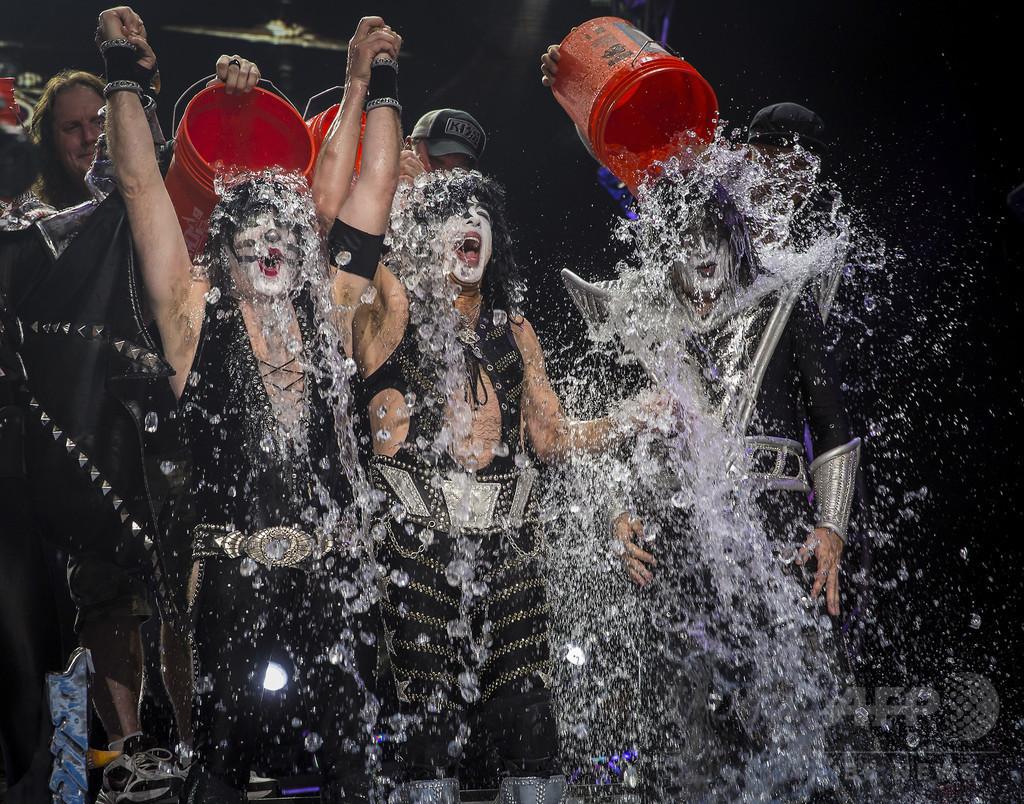 「氷水チャレンジ」、ALS支援団体への寄付100億円超に