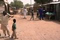 少女105人が依然不明 ボコ・ハラム学校襲撃 「国家的惨事」