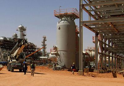 アルジェリアの天然ガス施設襲撃、人質の日本人負傷か