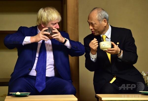 都知事、ロンドン市長と「茶の湯」