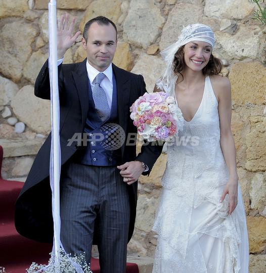イニエスタが母国スペインで挙式