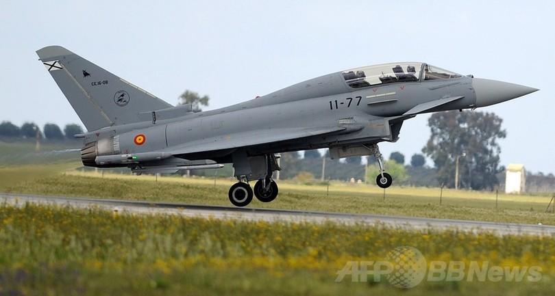 スペイン空軍基地でユーロファイターが墜落、パイロット死亡