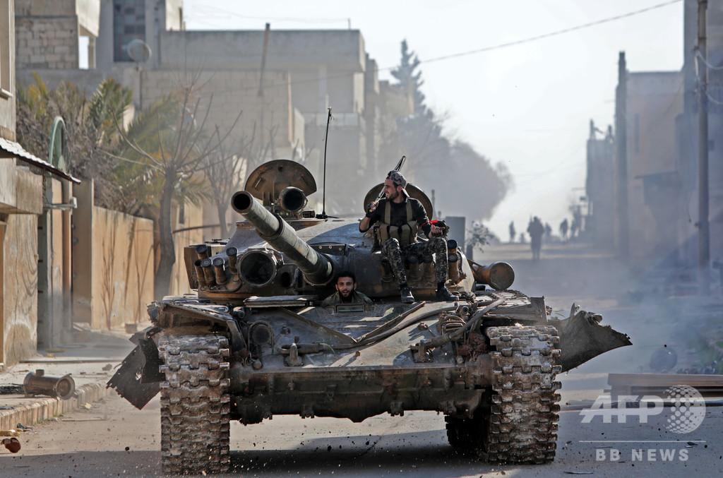 シリア北西部のトルコ軍、空爆で33人死亡 アサド政権軍に報復攻撃