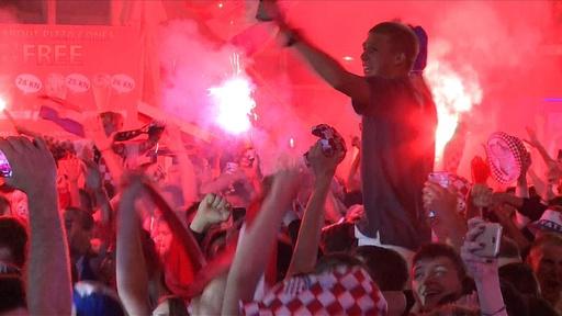 動画:クロアチアが初のW杯決勝進出、国内サポーター大熱狂