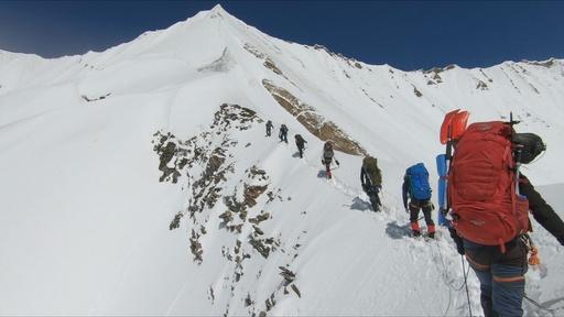 動画:ヒマラヤで死亡した登山隊、印当局が最後の瞬間捉えた映像公開