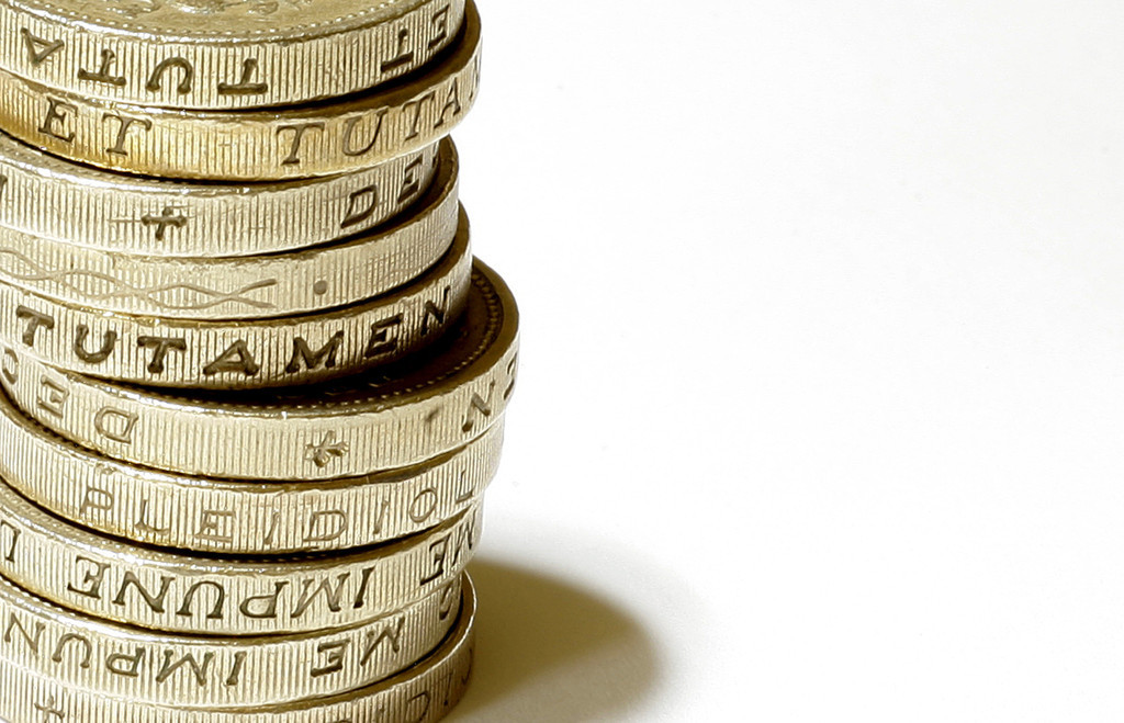8~15歳のお小遣い、「男女格差」が拡大 英銀行調査