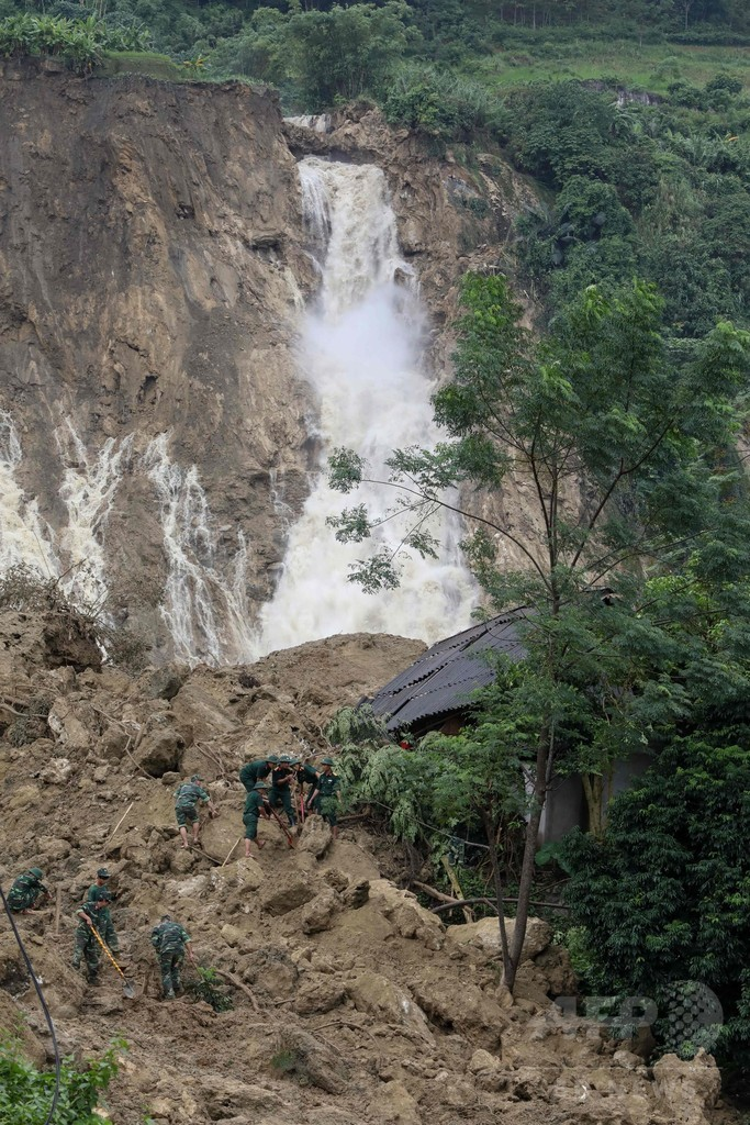 ベトナム豪雨災害、死者54人に