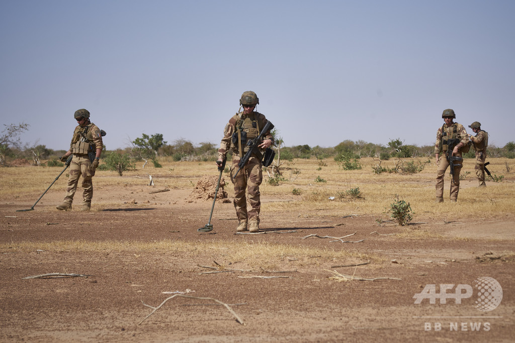 マリ南部で地雷爆発、女性6人死亡