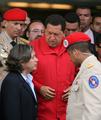 スペイン国王の「黙れ」発言、国内メディアは絶賛