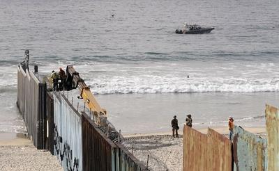 メキシコ国境の米兵規模「ほぼ上限に」 国防副長官