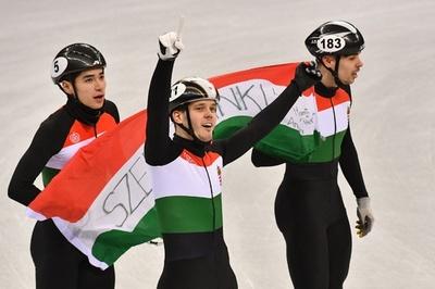 ハンガリーが冬季五輪初の金、ショートトラック男子5000mリレー
