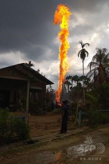 違法の原油採掘施設で火災、10人死亡 インドネシア・アチェ州