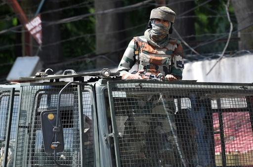 自治権剥奪のインド・カシミール、少なくとも4000人が拘束下に