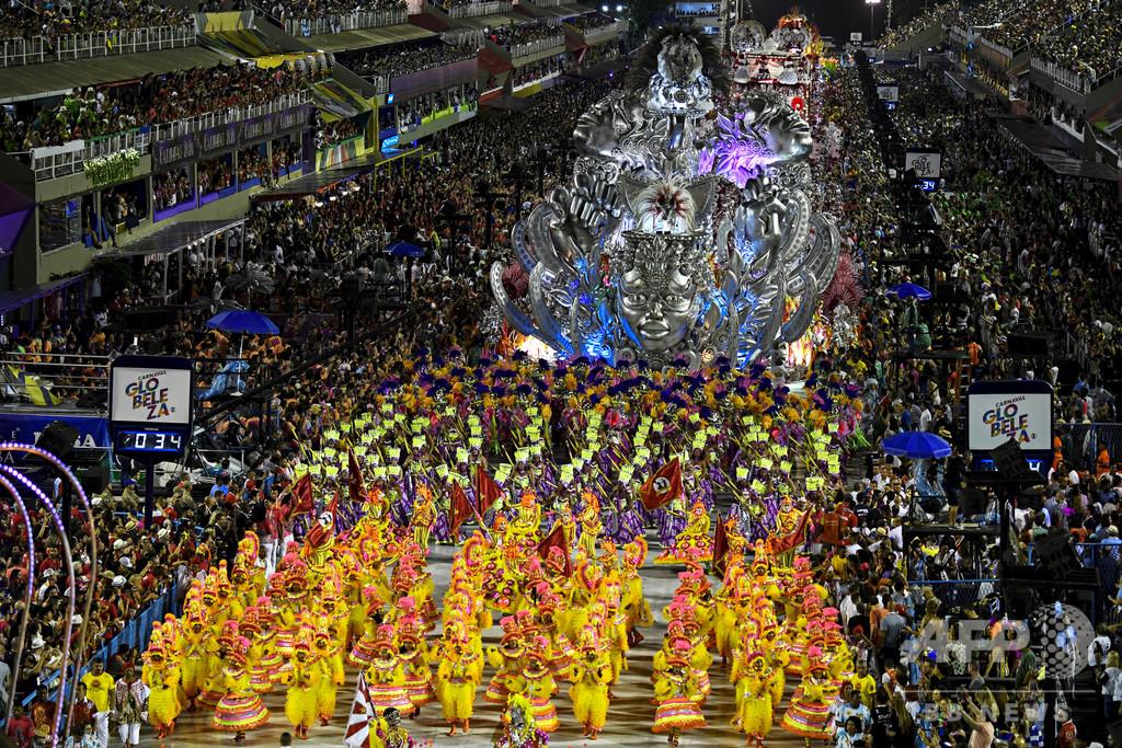 「リオのカーニバル」延期、コロナで開催見通し立たず