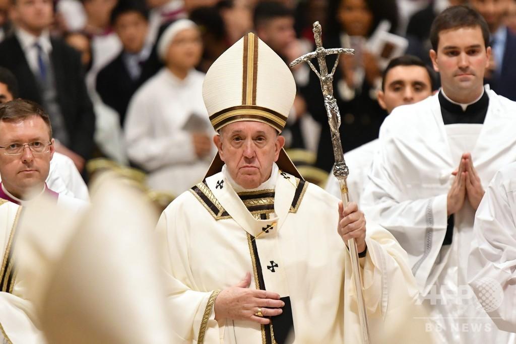 ローマ教皇がクリスマスのミサ キリスト生誕の地にも信者集まる