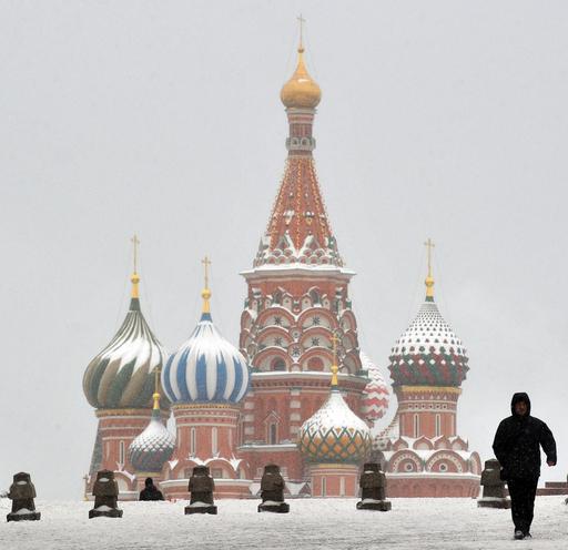 雪景色の赤の広場、新年祝う準備も着々と ロシア
