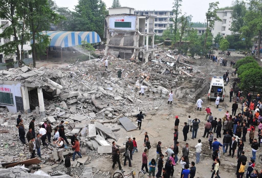 中国・四川大地震での校舎崩壊、政府が建築上の問題認める