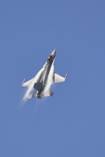 米、台湾に戦闘機の部品を売却へ 370億円相当