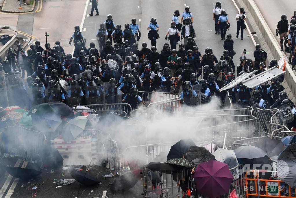 香港デモ、警察の暴力行為に非難殺到 動画多数 調査要求も