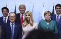 イヴァンカ氏、G20でトランプ大統領の席に座り物議