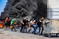 ヨルダン川西岸でも衝突で死者 中東情勢、悪化の一途