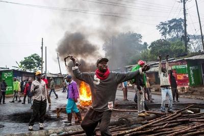 ケニアやり直し選挙、衝突で4人死亡 一部で投票延期も