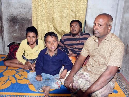 「息子らを安楽死させたい」 父の悲痛な叫び バングラデシュ