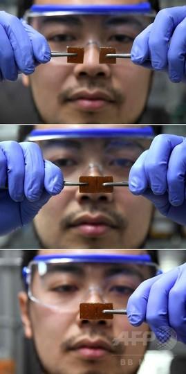 自己修復するガラスを開発、東大チームが実演