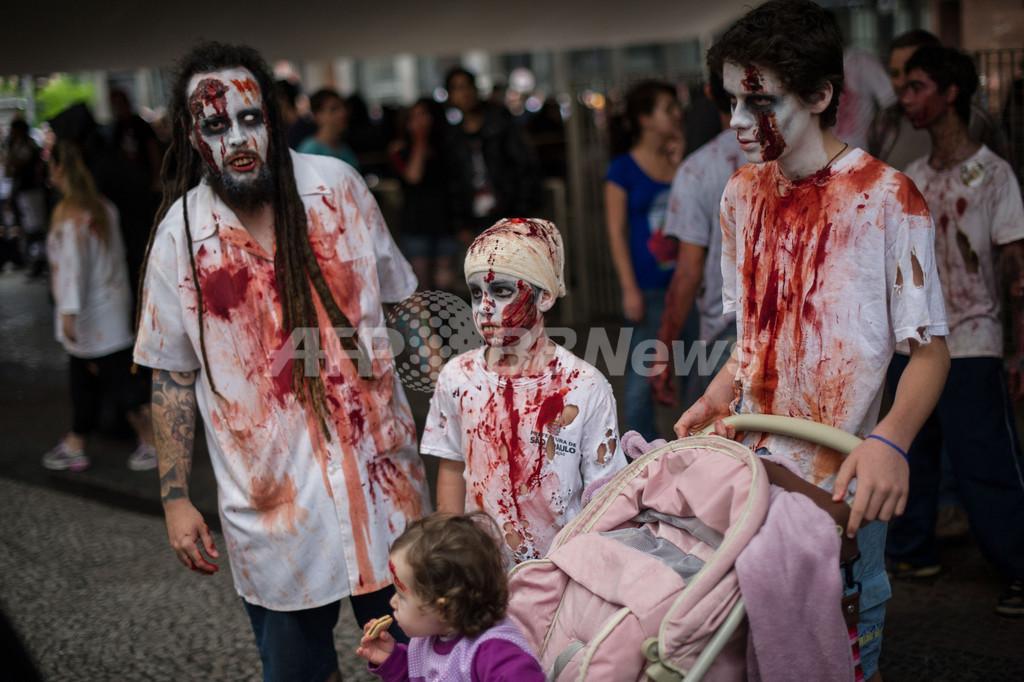 ゾンビがサンパウロの街を占領、「死者の日」に合わせイベント