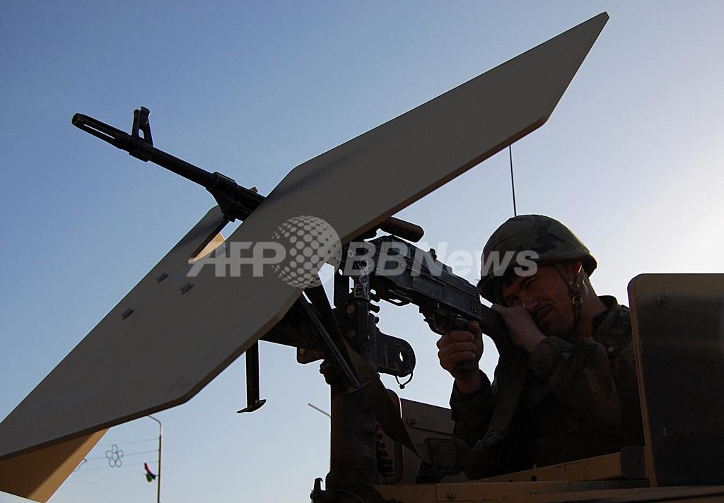 アフガニスタンで戦闘相次ぐ、ISAFの兵士ら70人死亡