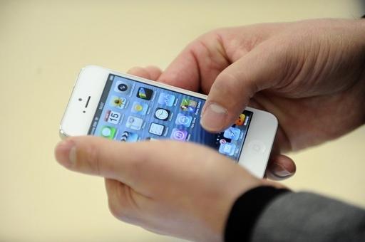 米国人の「最新の親友」はスマートフォン、IT業界調査