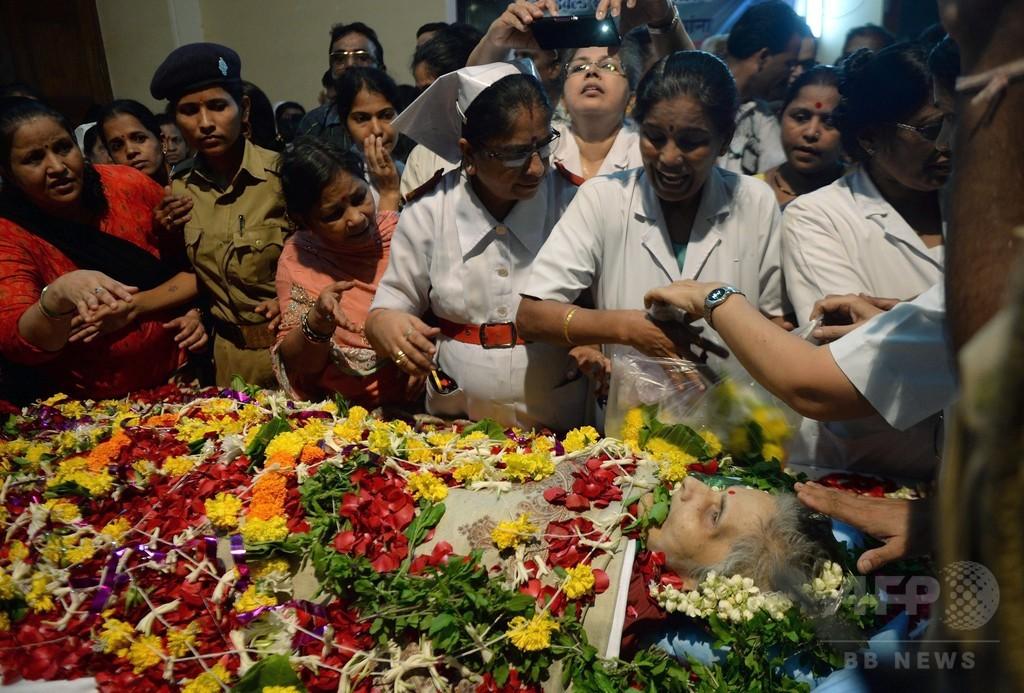 レイプで42年間昏睡の看護師が死亡 インド