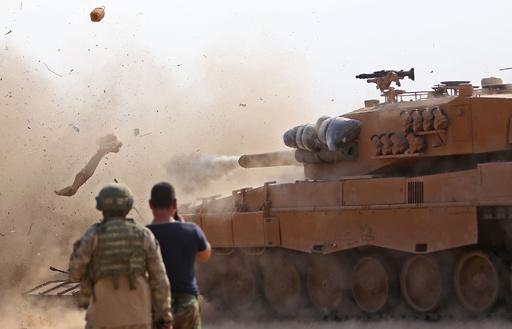 トルコとシリアの部隊、国境地帯で初の交戦 6人死亡