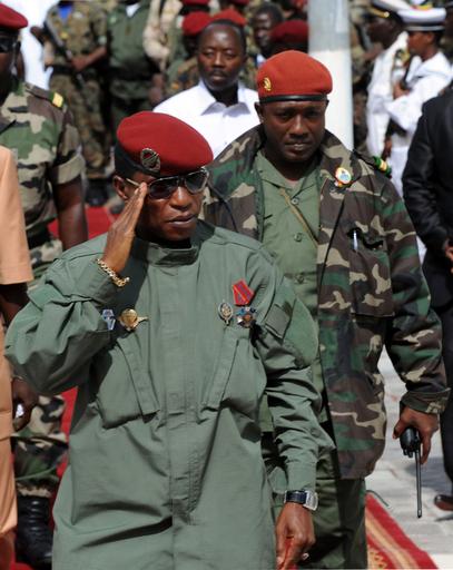 ギニア大統領、側近に撃たれ負傷 9月のデモ鎮圧に関連か
